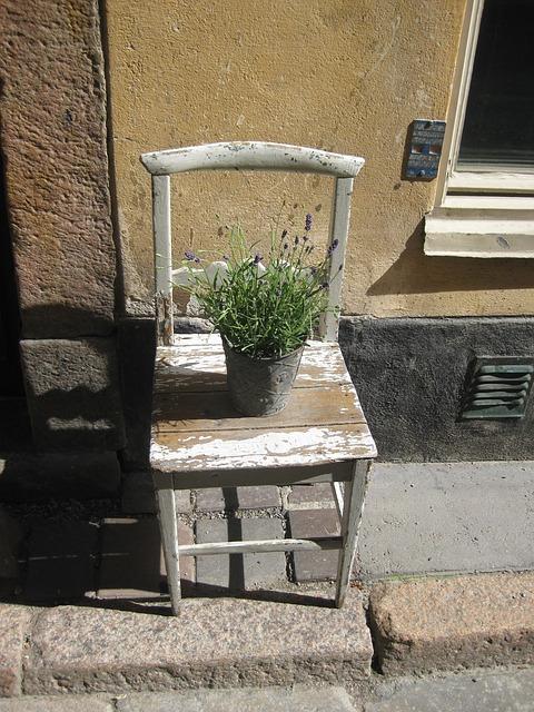 Patina je kráľovná, ošarpaný nábytok jednoducho k provensálskemu štýlu patrí