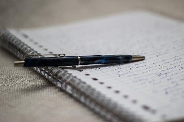 Aj vyplakanie sa papieru vám pomôže uľaviť mysli