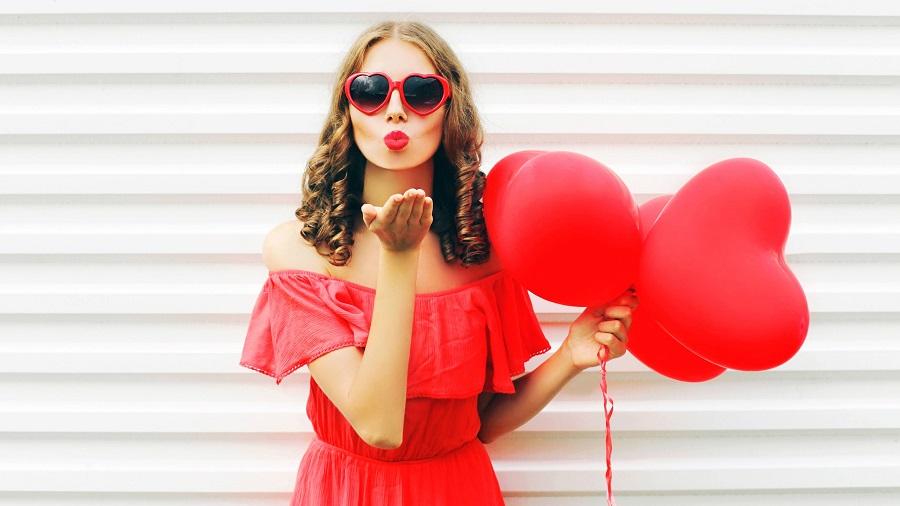 Valentín a červená farba