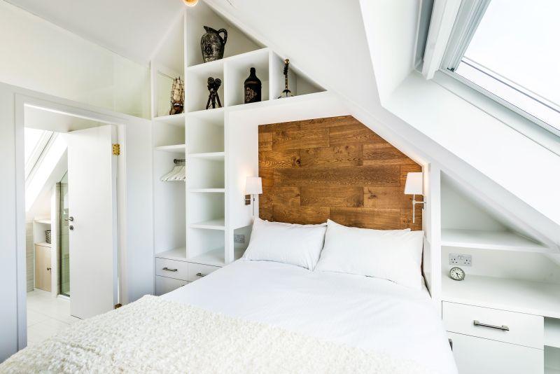 Spálňa a čelo postele