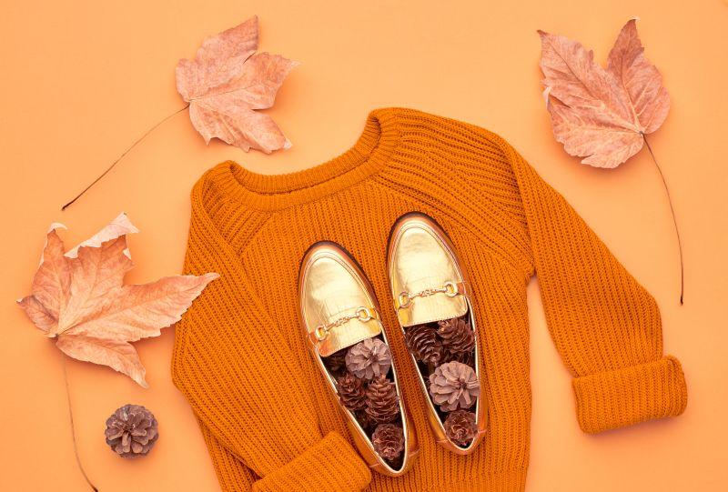 Jesenná móda topánky sveter